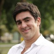 Marcelo Adnet completa 32 anos com projeto de novo programa de humor na Globo