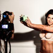 Fernanda Paes Leme posa sensual em ensaio de lingerie