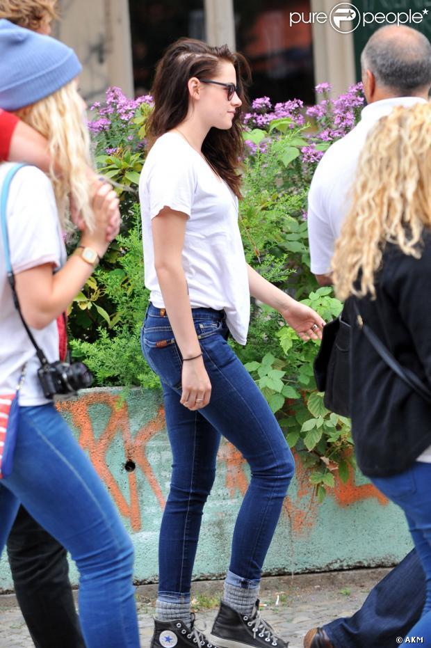 Kristen Stewart está com queda de cabelo devido a estresse, segundo o 'Daily Mail'. O término do relacionamento da atriz com Robert Pattinson pode ser o principal motivo do problema