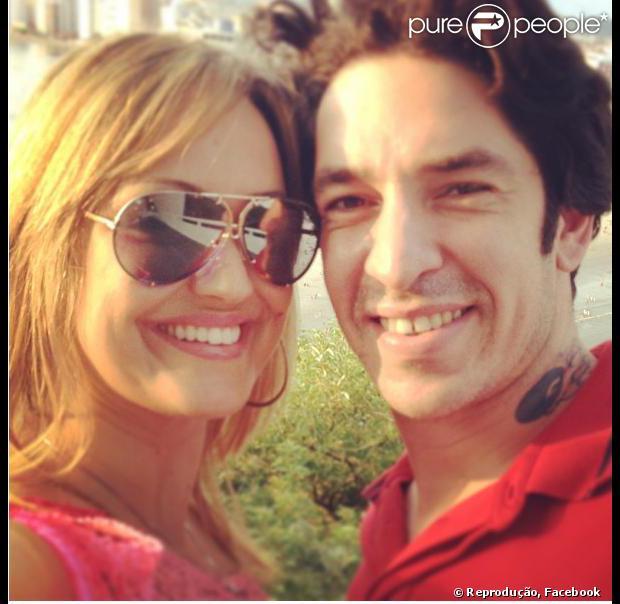 Claudia Campos, mulher de Champignon, diz que não sabe como vai superar a morte do cantor. Ela escreveu um depoimento no Facebook em 11 de setembro de 2013