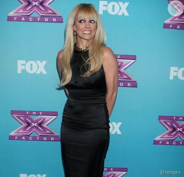 Britney Spears foi à coletiva de imprensa da final do programa 'The X factor' nos Estados Unidos, no dia 17 de dezembro de 2012
