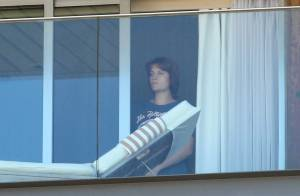 Florence Welch, atração no Rock in Rio, é fotografada em quarto de hotel