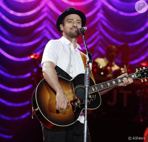Segundo nota publicada pelo jornalista 'Leo Dia', do jornal carioca 'O Dia', Justin Timberlake ficou com uma atriz durante sua passagem pelo Brasil