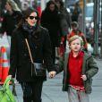 Liv Tyler estava de mãos dadas com Milo, seu filho de 9 anos