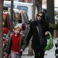 Liv Tyler foi flagrada voltando pra casa após pegar o filho, Milo, no colégio em Nova York, nesta quinta-feira, 20 de dezembro de 2012