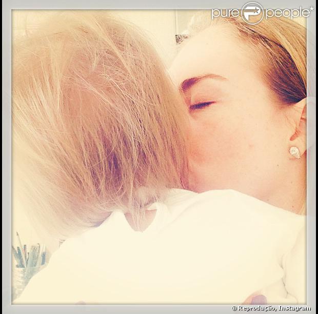 Angélica comemorou primeiro ano de vida da filha  Eva, nesta quarta-feira (25)