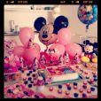 A cada mês de vida completo, Angélica fazia uma festa para Eva. Mickey e Minnie foram escolhidos para festa de 5 meses da menina
