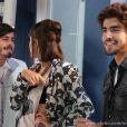 Patrícia (Maria Casadevall) marca encontro com outro na frente de Michel (Caio Castro), em 'Amor à Vida'