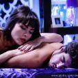 Patrícia (Maria Casadevall) acaba cedendo às investidas de Michel (Caio Castro), em 'Amor à Vida'