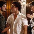 Michel (Caio Castro) briga com Adoniran (Gabriel Chadan) por causa de Patrícia (Maria Casadevall), em 'Amor à Vida'