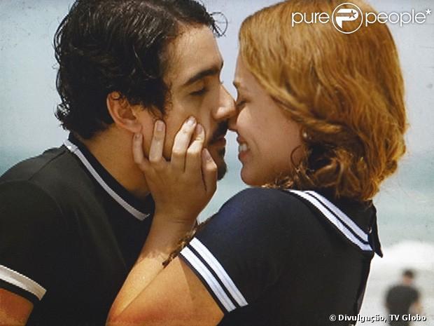 http://static1.purepeople.com.br/articles/8/11/18/@/8552-alice-juliane-araujo-e-jonas-george-620x0-1.jpg