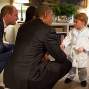Roupão de príncipe George em encontro com Barack Obama esgota; peça custa R$ 140