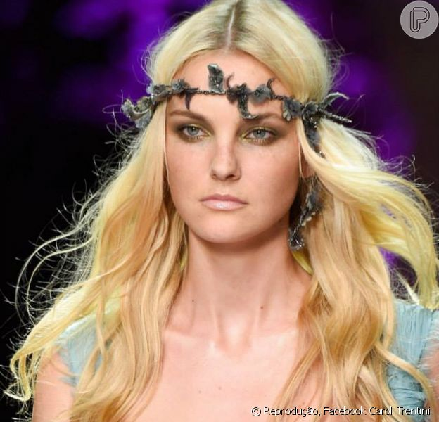 A modelo Carol Trentini indica como deixar os cabelos sexy: 'Coque nele molhado'