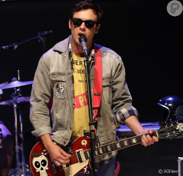Sergio Guizé se apresentou com sua banda, a Tio Che, nesta quinta-feira, 28 de abril de 2016