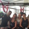 Bruna e Fernanda são praticantes do neopilates, modalidade que mescla o pilates com exercícios no tecido