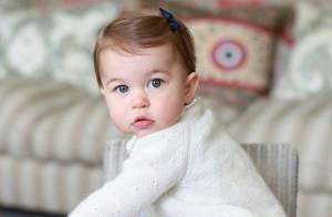 Princesa Charlotte ganha chocalho de ouro de R$ 155 mil em aniversário de 1 ano
