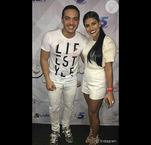 Munik subiu ao palco de seu ídolo, o cantor Wesley Safadão, durante show no evento Garota White, na Marina da Glória, nesta sexta-feira, 29 de abril de 2016