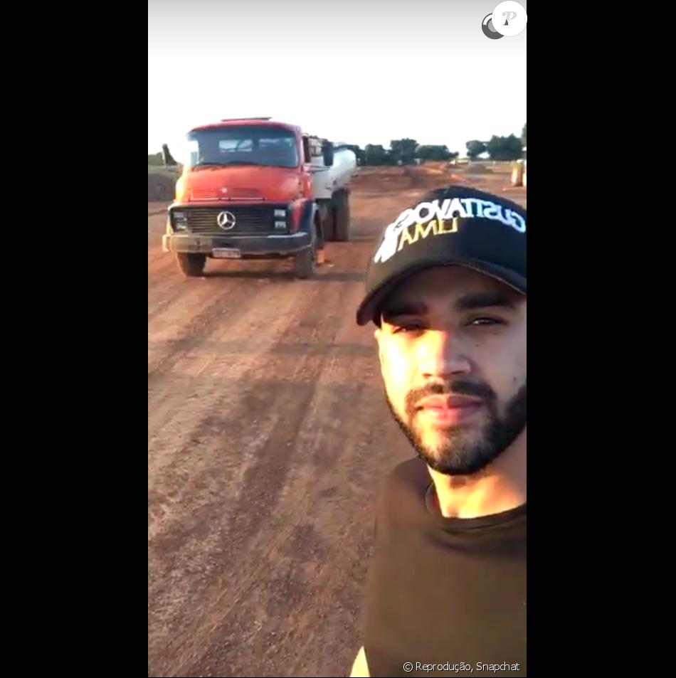 Gusttavo Lima está construindo uma pista particular para jatinho dentro de sua fazenda