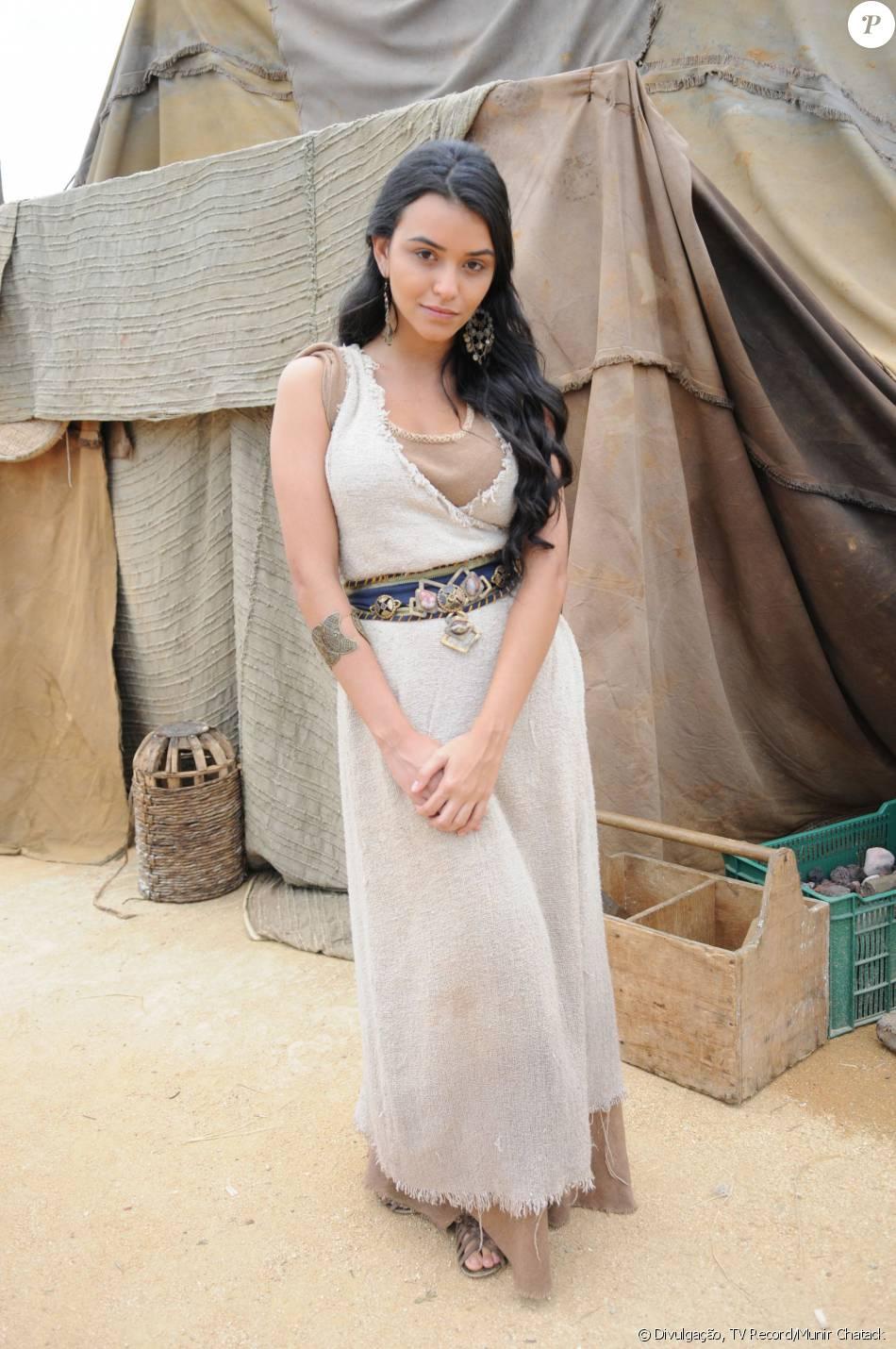 Talita Younan conta com a torcida dos telespectadores para sua Damarina da novela 'Os Dez Mandamentos - Nova Temporada' encontrar um novo amor: 'Querem que ela seja feliz novamente'