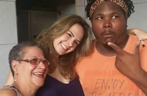 Ex-BBBs Ana Paula Renault e Ronan comemoram Dia das Mães com Geralda em MG