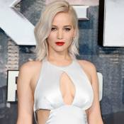 Jennifer Lawrence usa vestido Dior e tropeça na première de 'X-Men: Apocalipse'
