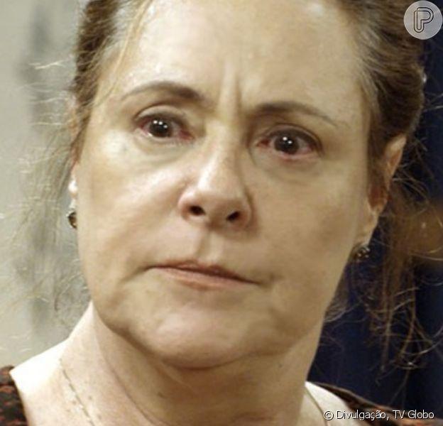 Cunegundes (Elizabeth Savala) será escorraçada da casa de Anastácia (Eliane Giardini), em 18 de maio de 2016, na novela 'Êta Mundo Bom!'