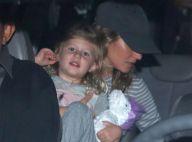 Gisele Bündchen desembarca em São Paulo com a filha caçula, Vivian Lake