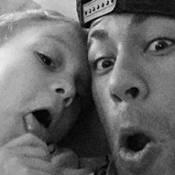 Neymar e o filho, Davi Lucca, fazem caretas em fotos e ganham elogios: 'Lindos'