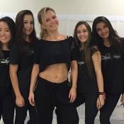 Eliana exibe barriga chapada ao ensaiar 'Bang', de Anitta: 'Dança gatinha'