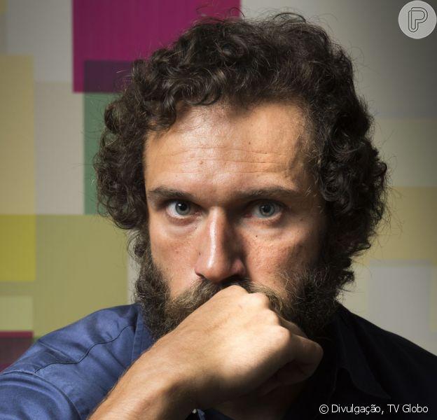 Dino (Paulo Rocha) escapa de ser preso após plano de Eliza (Marina Ruy Barbosa), nos últimos capítulos da novela 'Totalmente Demais'. Quem antecipa é a coluna 'Telinha', do jornal 'Extra', nesta quinta-feira, 19 de maio de 2016