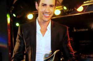 Gusttavo Lima canta na abertura da Festa Nacional da Música, no RS