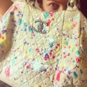 Luana Piovani customiza bolsa de R$ 12 mil da grife Chanel: 'Chora, só eu tenho'