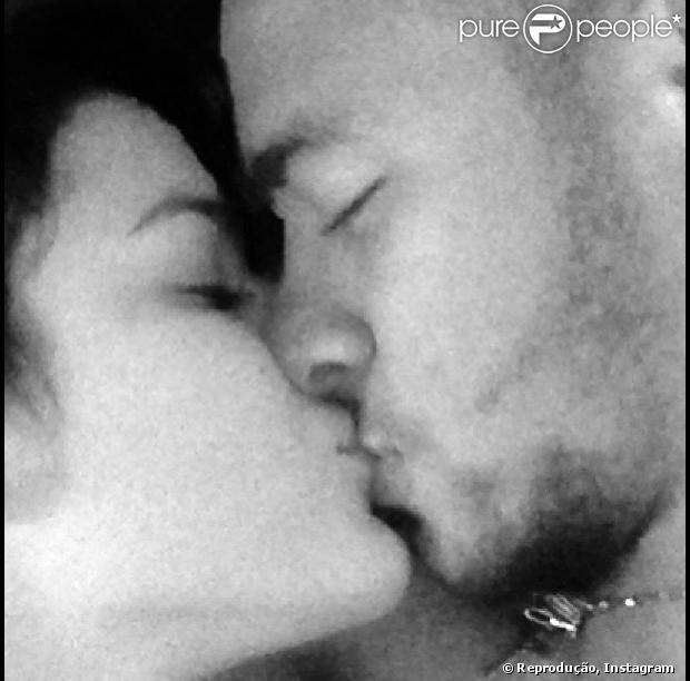 Neymar ganha declaração de Bruna Marquezine através de foto postada