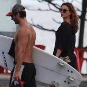 Isis Valverde acompanha o namorado, André Resende, em dia de surfe no Rio