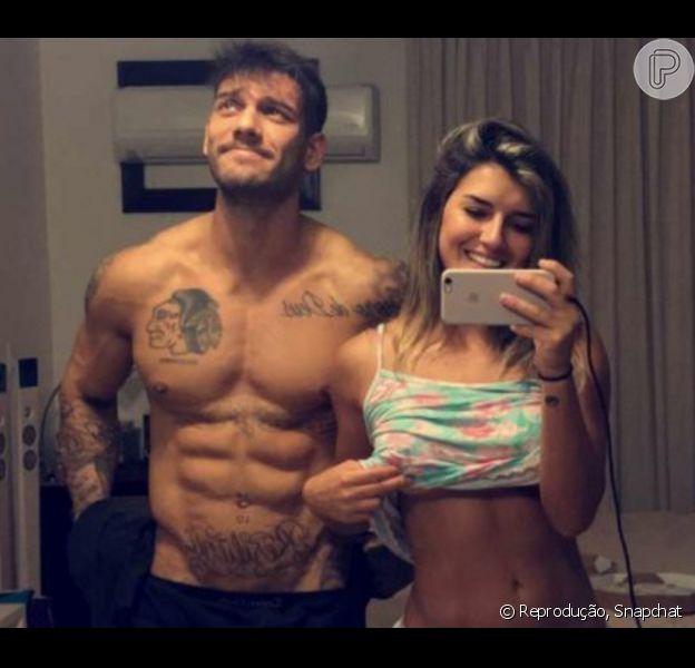 Lucas Lucco passou a madrugada desta quarta-feira, 8 de junho de 2016, com a modelo Vitória Gomes