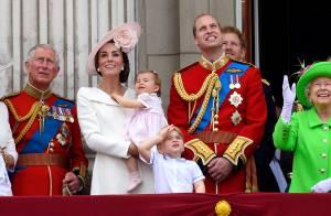 Príncipe George e Charlotte roubam a cena em comemoração da família real. Fotos!