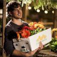 Marco Pigossi garante que por causa do jeito romântico de Bento encarar a vida, acabou ficando mais sentimental: 'Passei a dar mais flores para as pessoas'