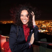 Débora Nascimento é adepta de produtos no poo: 'Lavo o cabelo sem xampu'
