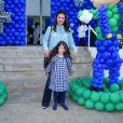 A atriz Mariana Kupfer e a pequena Victoria estiveram no aniversário de Luca