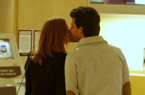 Marina Ruy Barbosa e Xandinho Negrão trocam beijos antes de ir ao cinema. Fotos!
