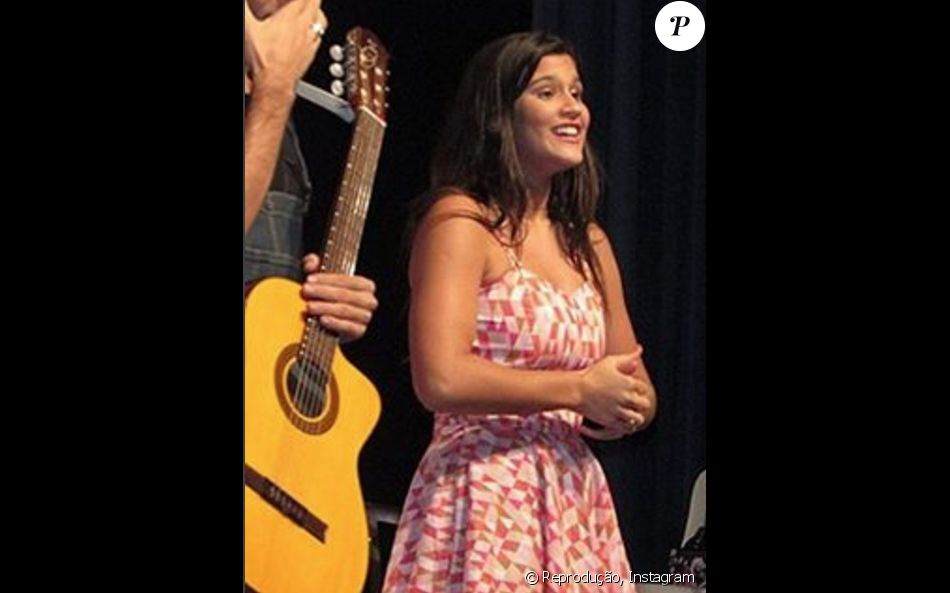 Giulia Costa compartilhou no sábado, 18 de junho de 2016, a experiência que teve na apresentação da peça 'Confissões de Adolescente': 'Ontem nossa estreia foi linda demais! E hoje tem mais', escreveu no Instagram