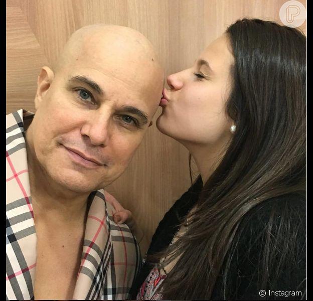 Edson Celulari, diagnosticado com câncer, posa com a filha, Sophia, nesta segunda-feira, dia 20 de junho de 2016