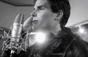 Jonatas Faro investe na carreira de cantor e grava cover de Shontelle