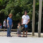 Eriberto Leão passeia com o filho na Lagoa, no Rio