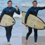 Klebber Toledo se irrita com lixo no mar após surfar em praia do Rio. Fotos!