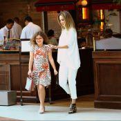 Filha de Ana Furtado e Boninho exibe sapatilha de R$ 700 em passeio. Fotos!