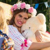 Camila Queiroz lembra festas juninas quando criança: 'Era sempre a noivinha'