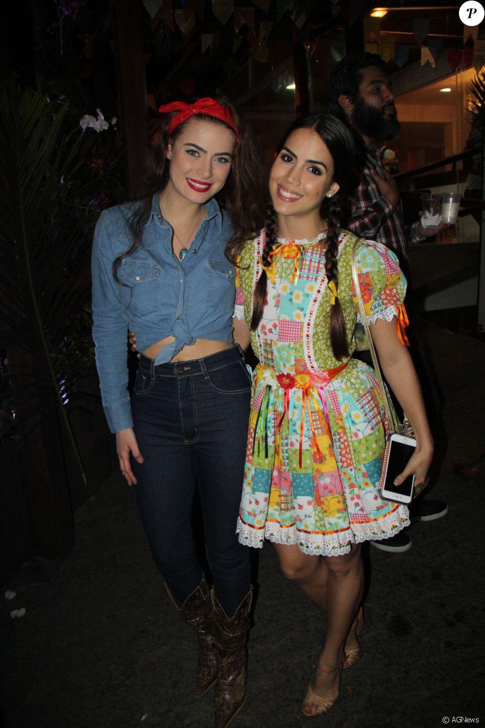 Rayanne Morais e Pérola Faria se encontraram em festa junina dos elencos das novelas 'Os Dez Mandamentos - Nova Temporada' e 'A Terra Prometida', na noite deste domingo, 26 de junho de 2016