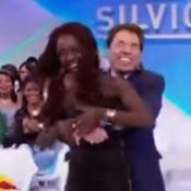 Silvio Santos brinca de agarrar participante na TV: 'Quer se esfregar!'