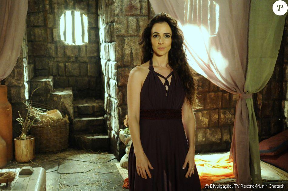 Raabe (Miriam Freeland) é uma prostituta na cidade de Jericó. Por um ato heroico, tem sua vida poupada por Deus, na novela 'A Terra Prometida'